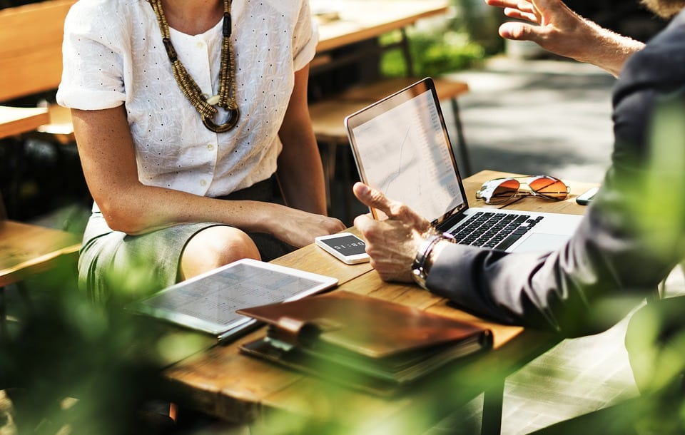 Existe-t-il un langage spécifique à avoir lors d'un entretien d'embauche?